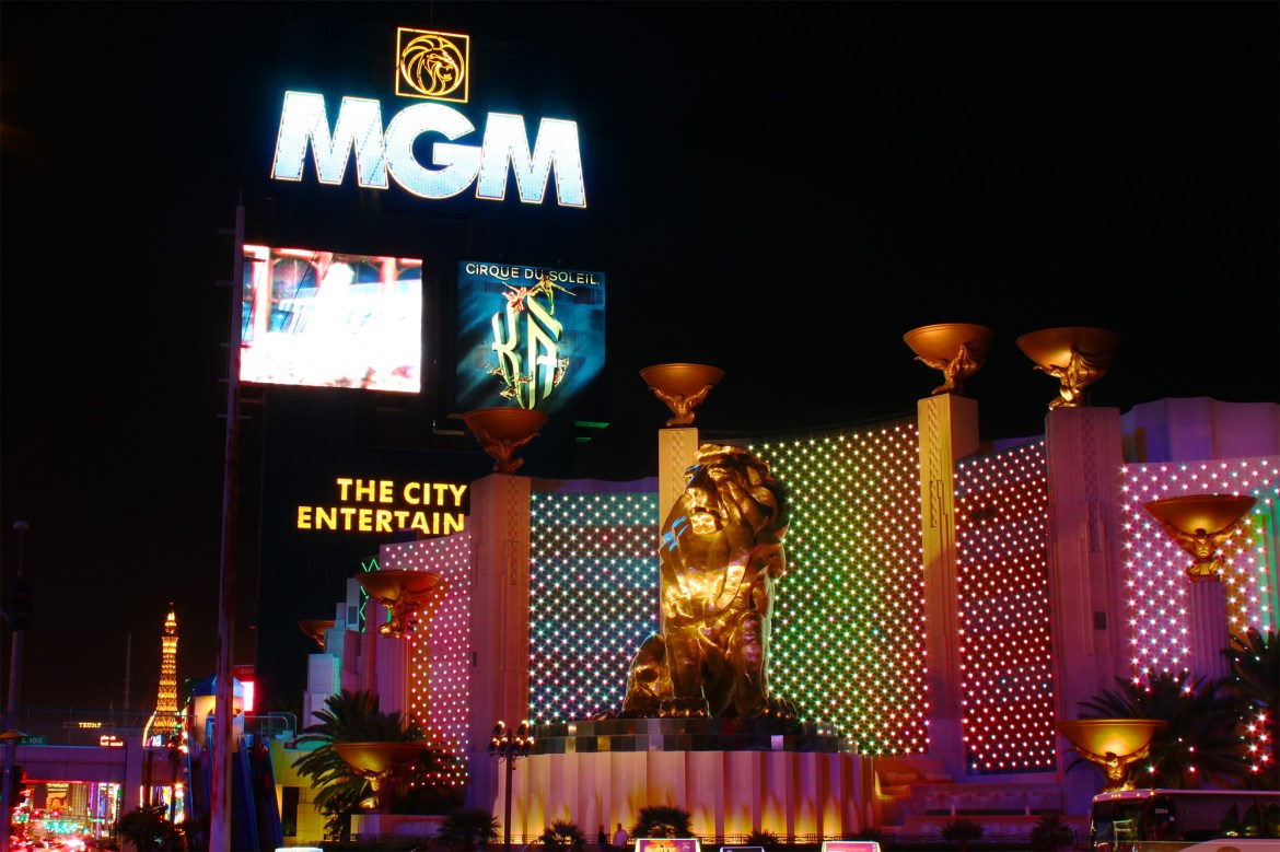 Power outage hits Las Vegas' MGM Grand on 40th anniversary of deadly fire 1