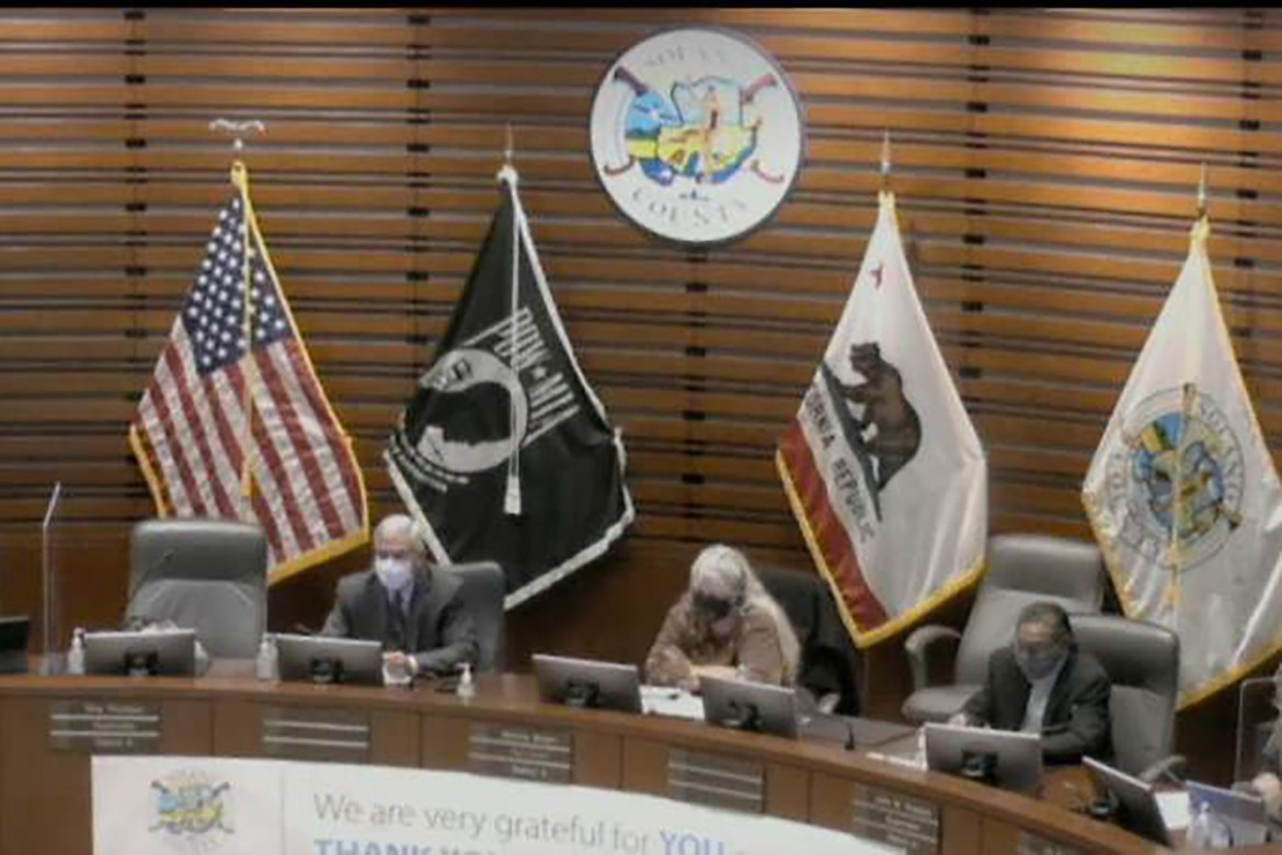 Anti-maskers give Nazi salute at local government meeting in California: report 1