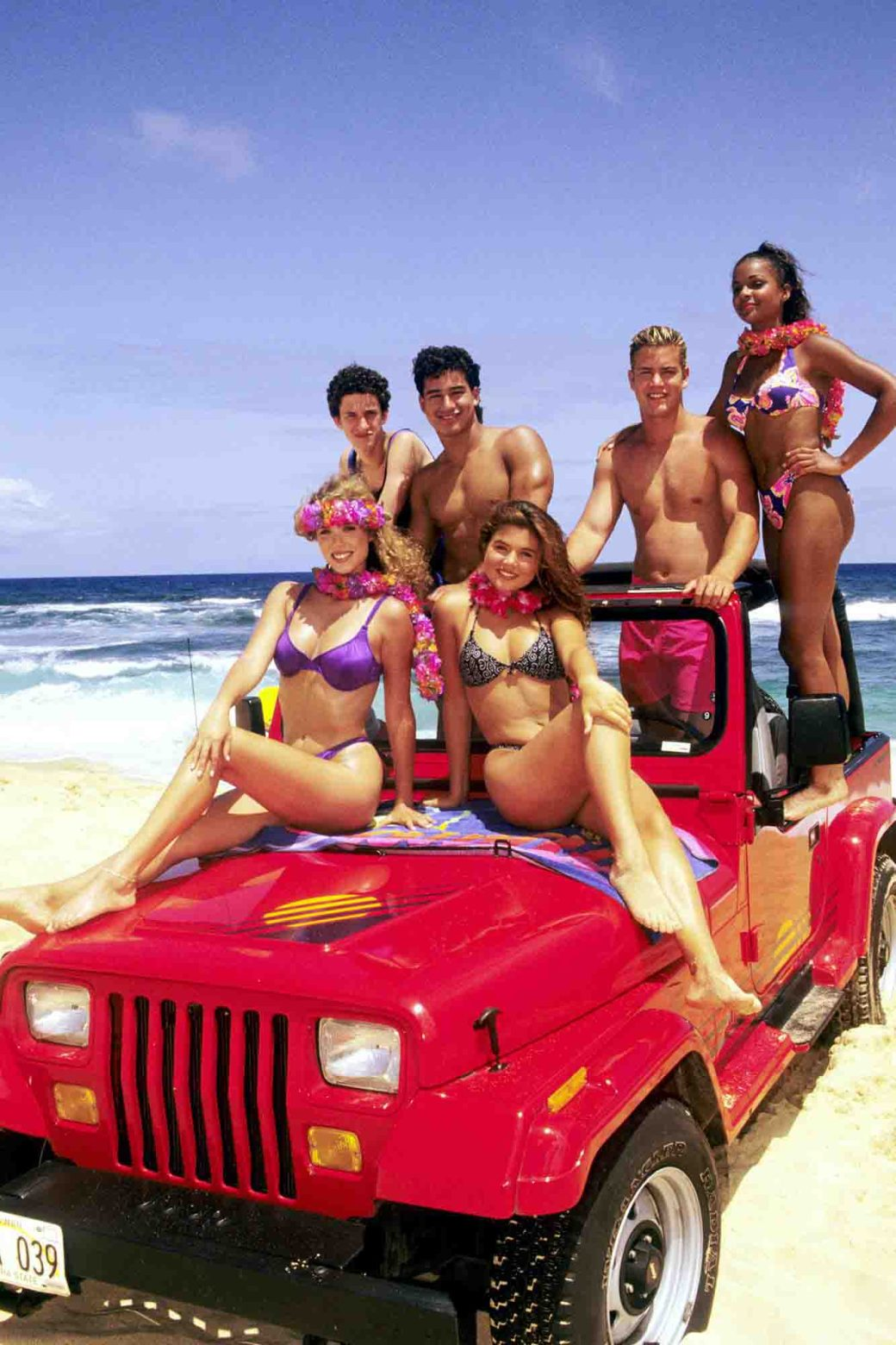 SAVED BY THE BELL: HAWAIIAN STYLE, clockwise from back left: Dustin Diamond, Mario Lopez, Mark-Paul