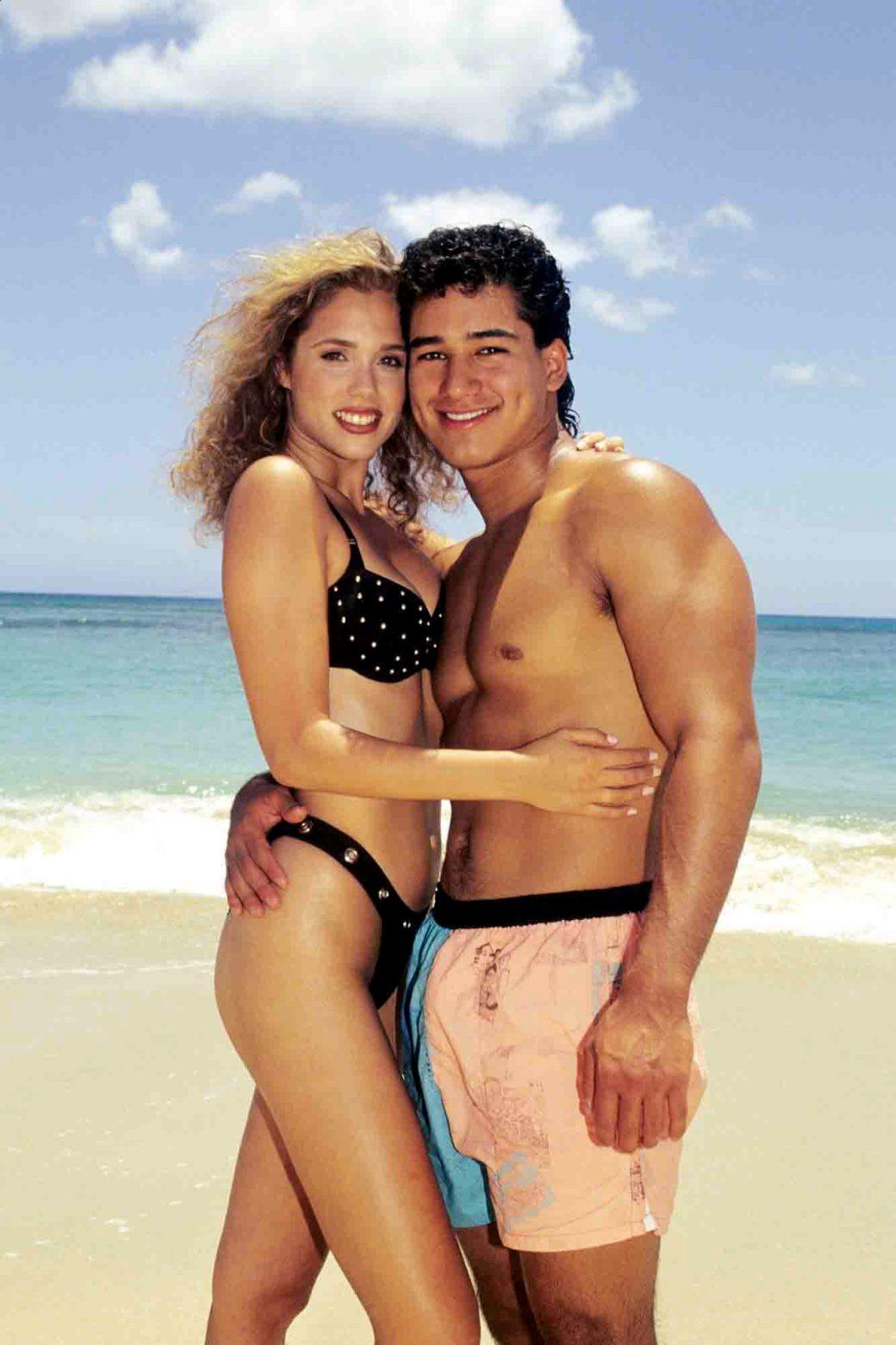 SAVED BY THE BELL: HAWAIIAN STYLE, Elizabeth Berkley, Mario Lopez, 1992, (c)NBC/courtesy Everett Col