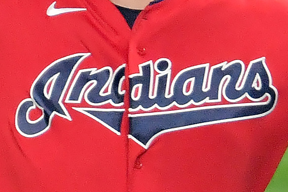 Cleveland Indians dropping controversial team name 1