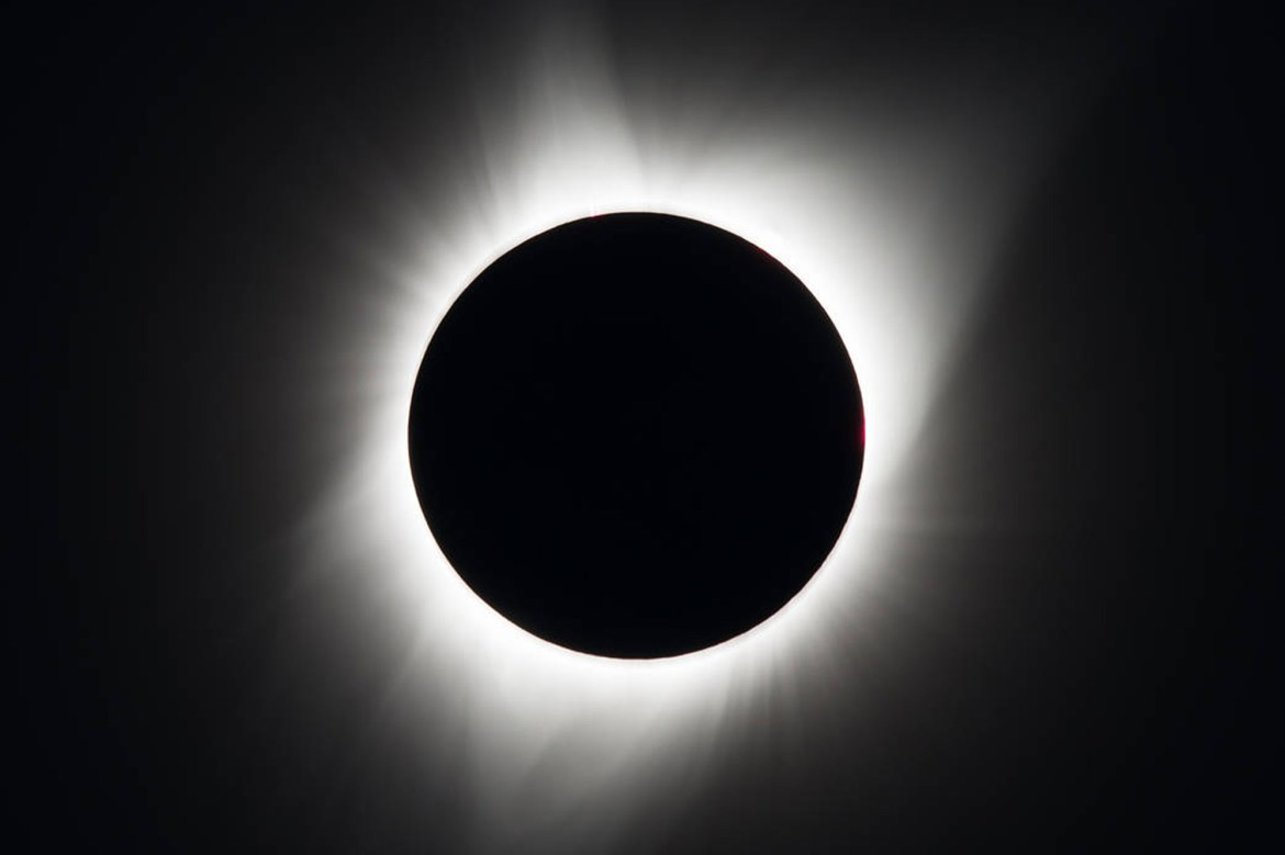Total solar eclipse cuts path across South America 1