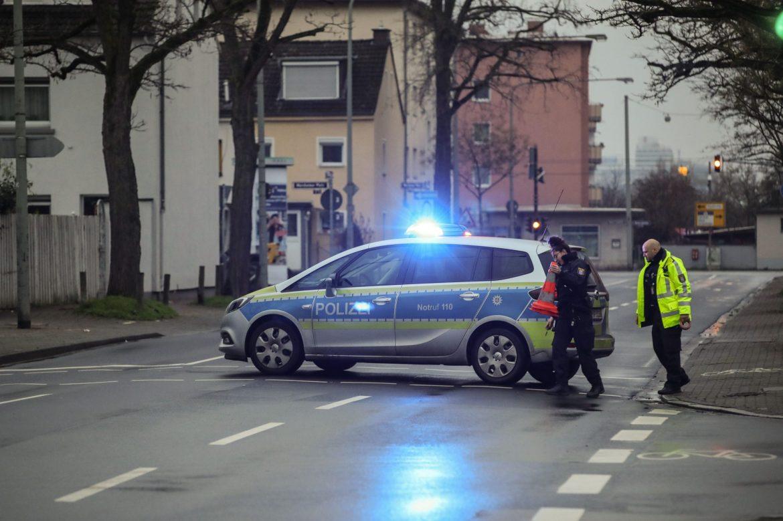Unexploded 1,100-pound World War II bomb found in Frankfurt 1