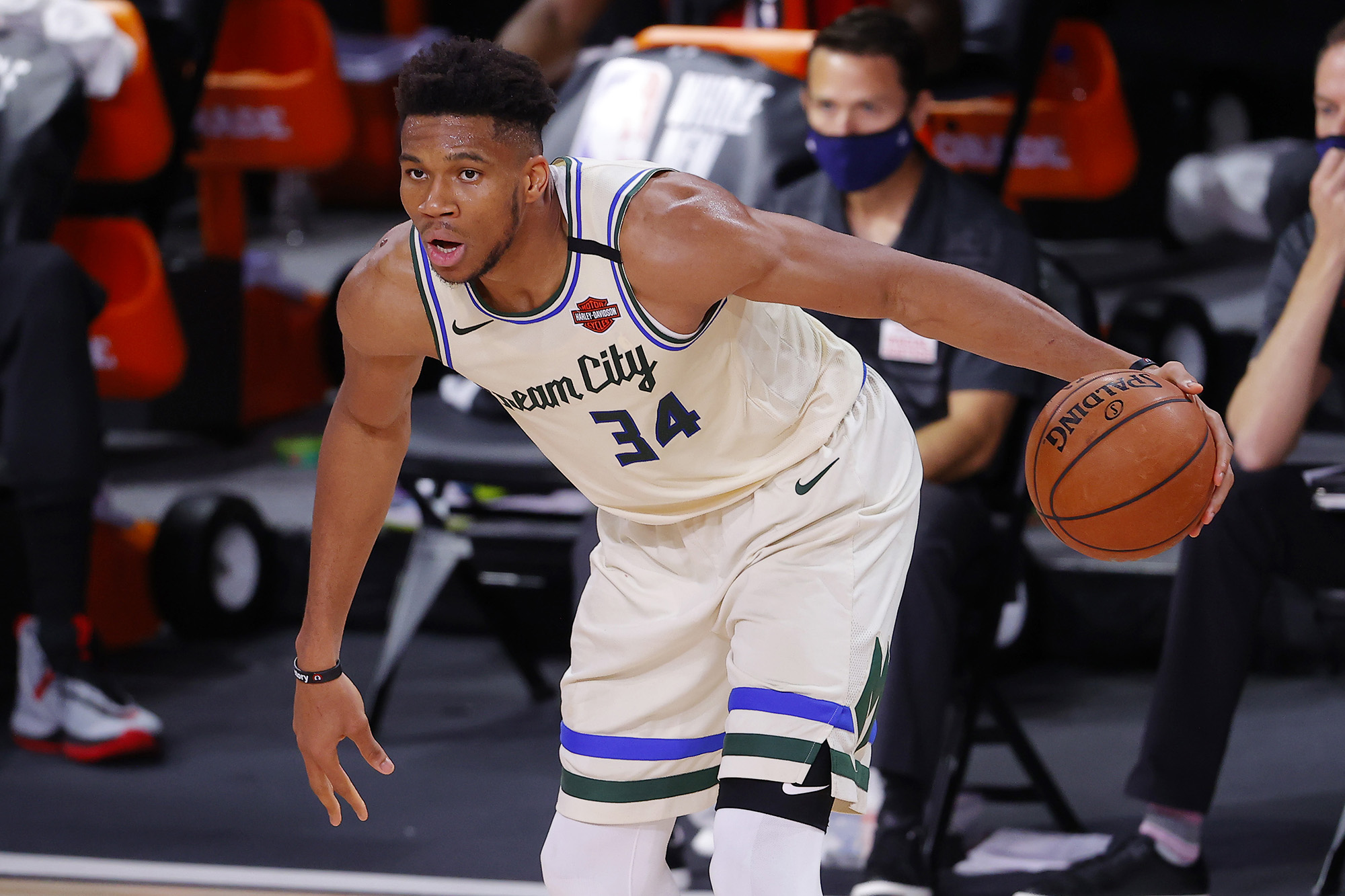 Giannis Antetokounmpo contract drama grows with non-answer