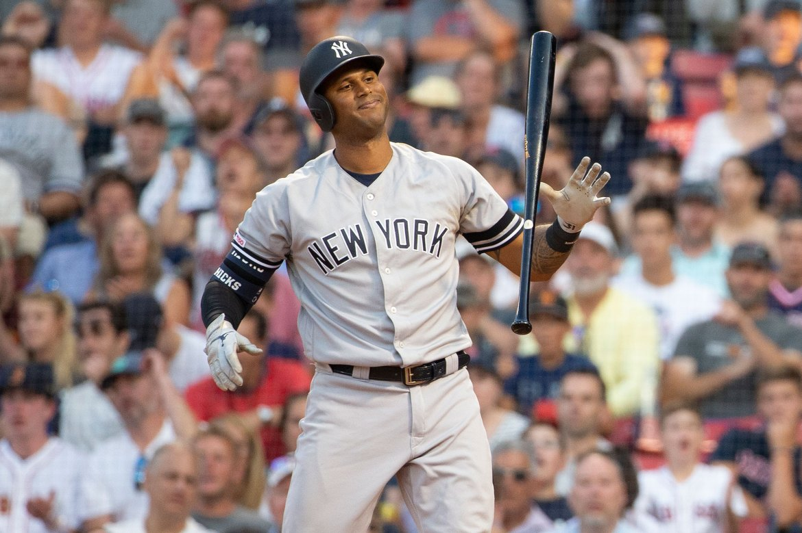 Aaron Hicks' elbow still a Yankees issue: 'Don't really feel 100 percent' 1