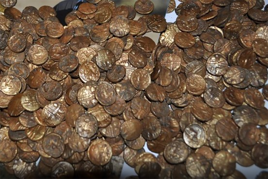 Birdwatcher discovers $ 1 million in ancient Celtic gold coins