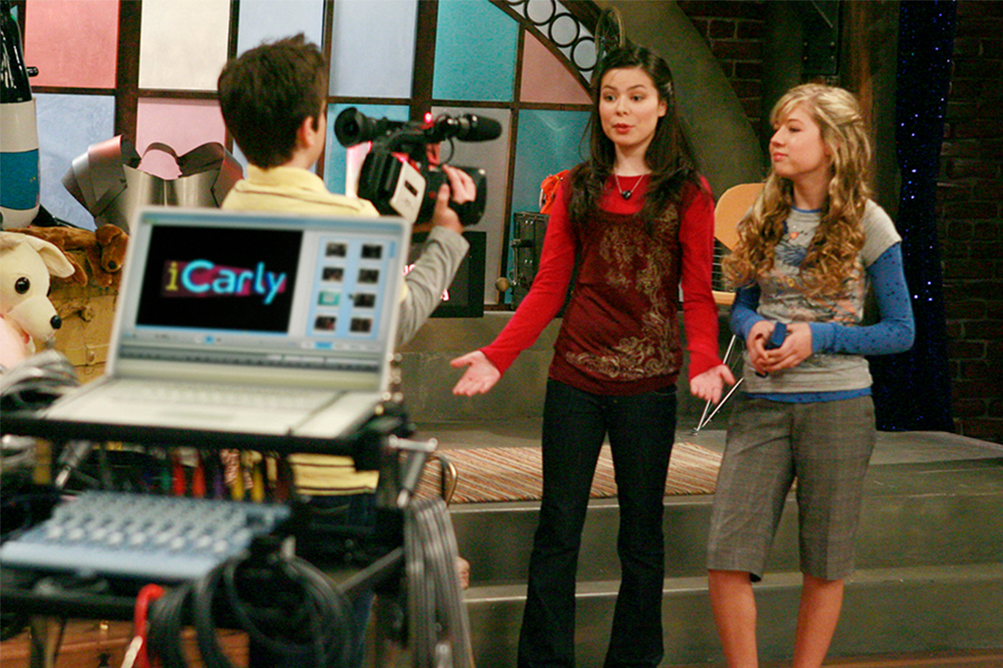 'iCarly' streaming revival will feature original stars