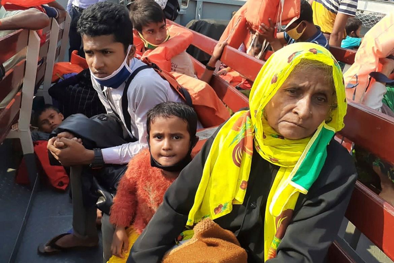 First Rohingya refugees arrive at isolated Bangladesh island 1