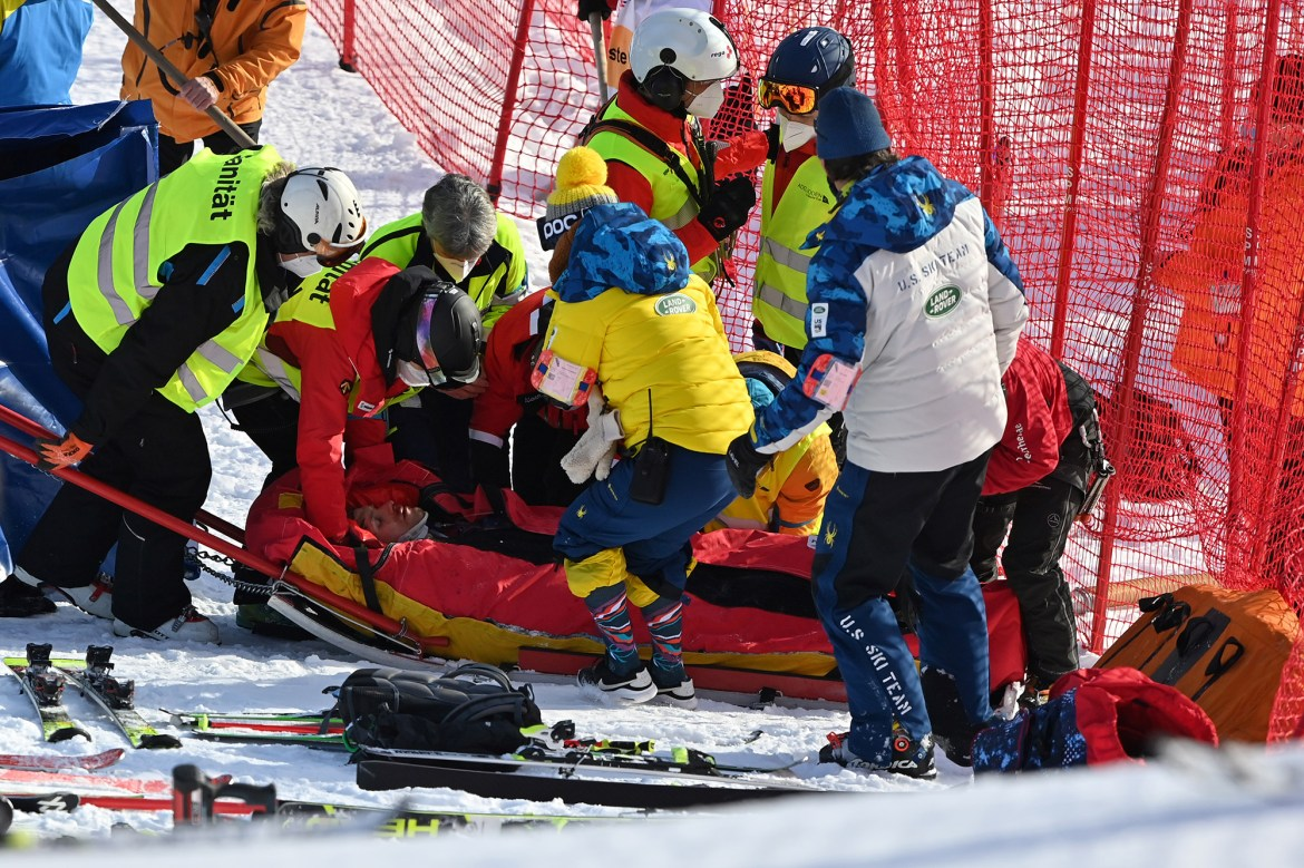 American skier Tommy Ford airlifted to hospital after scary crash 1