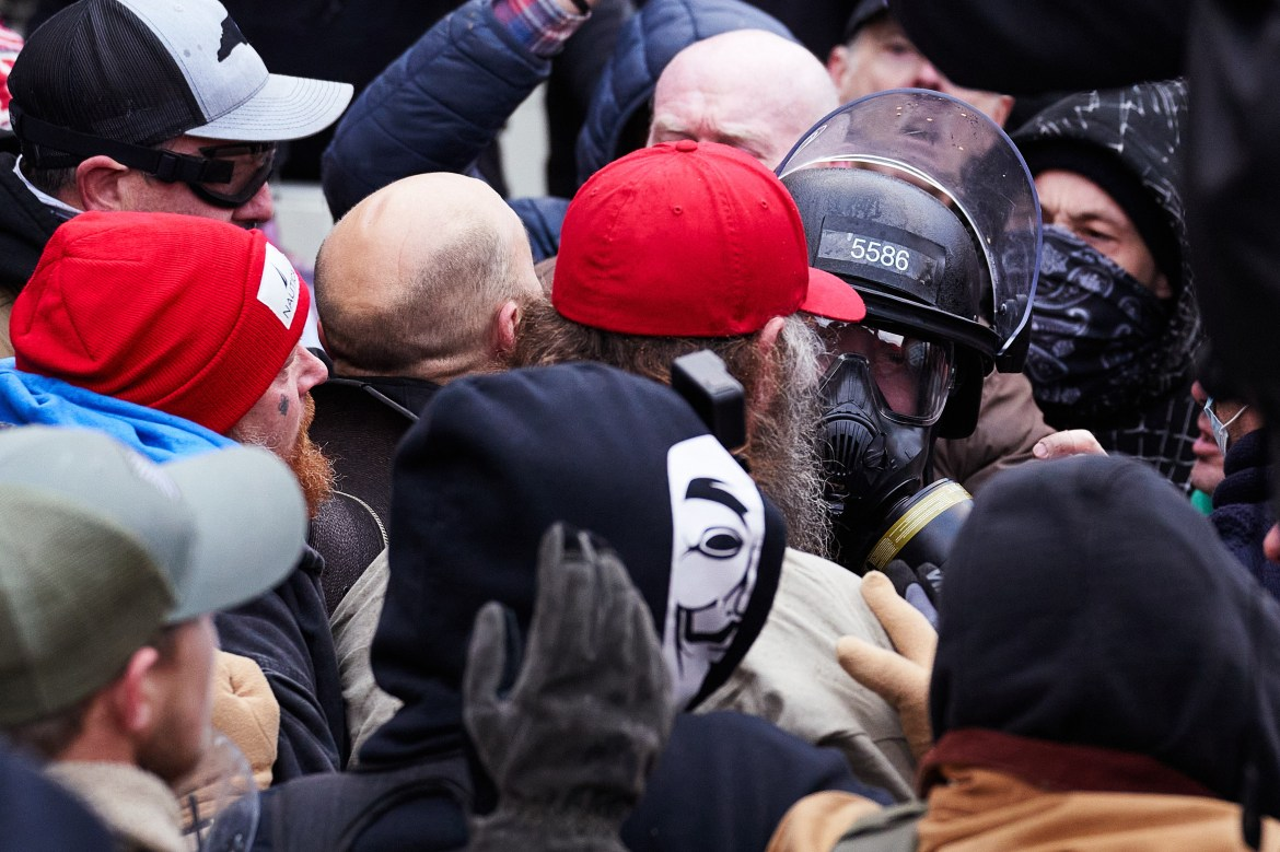 Video shows police officer assaulted by mob of Capitol rioters 1