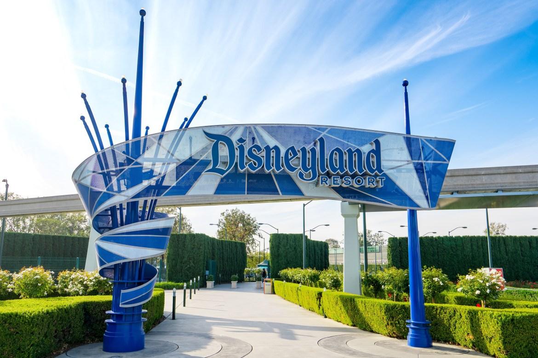 Disneyland to become massive 'super' vaccination site 1