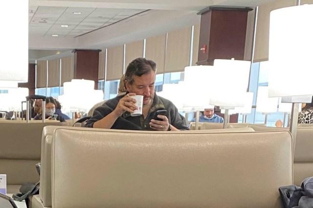 yesterday-united-airport-lobby-cruz