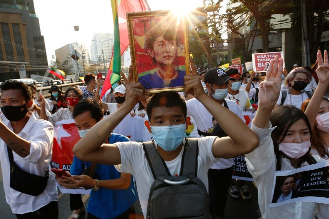 Thai marchers link their democracy cause to Myanmar protests