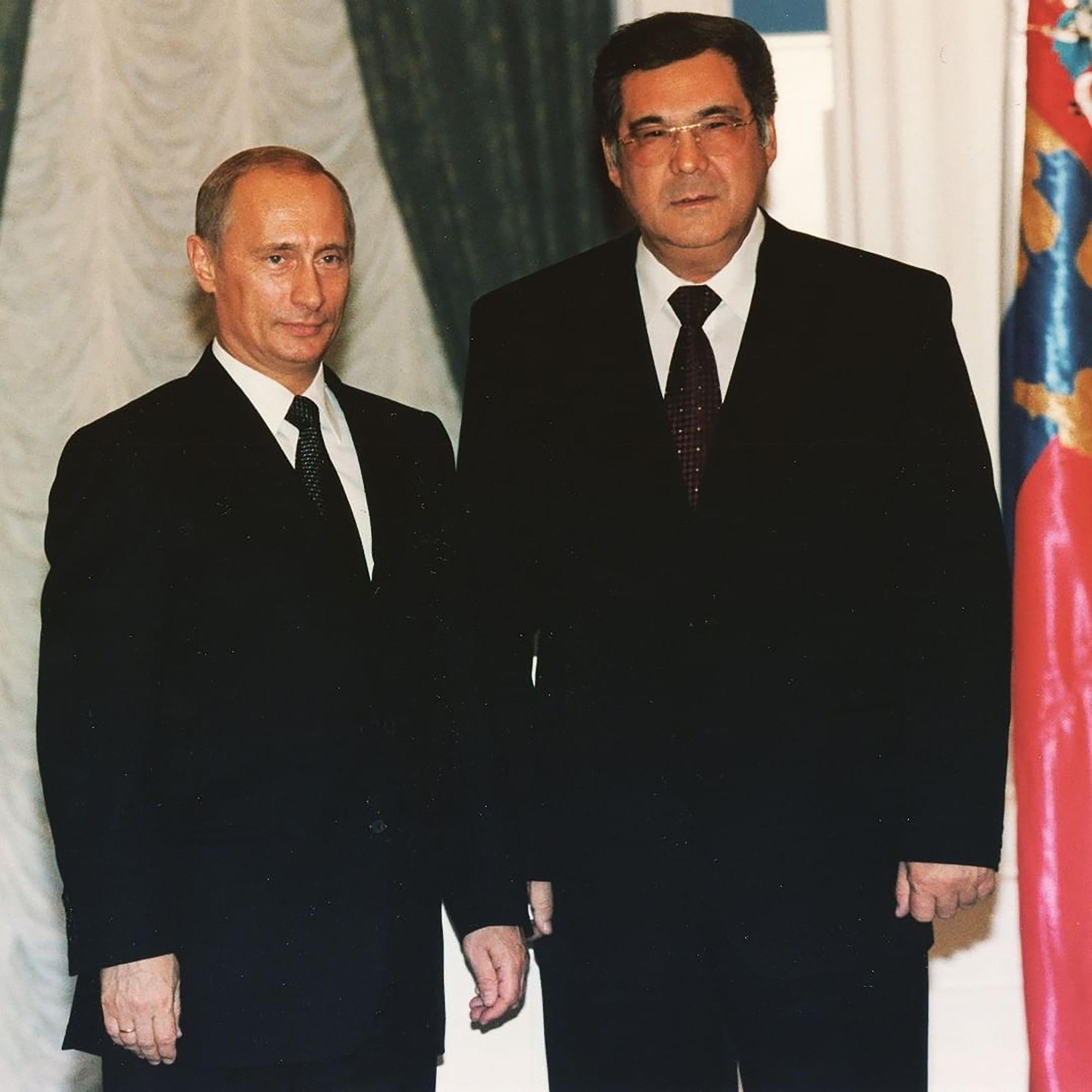 Aman Tuleev com Vladimir Putin