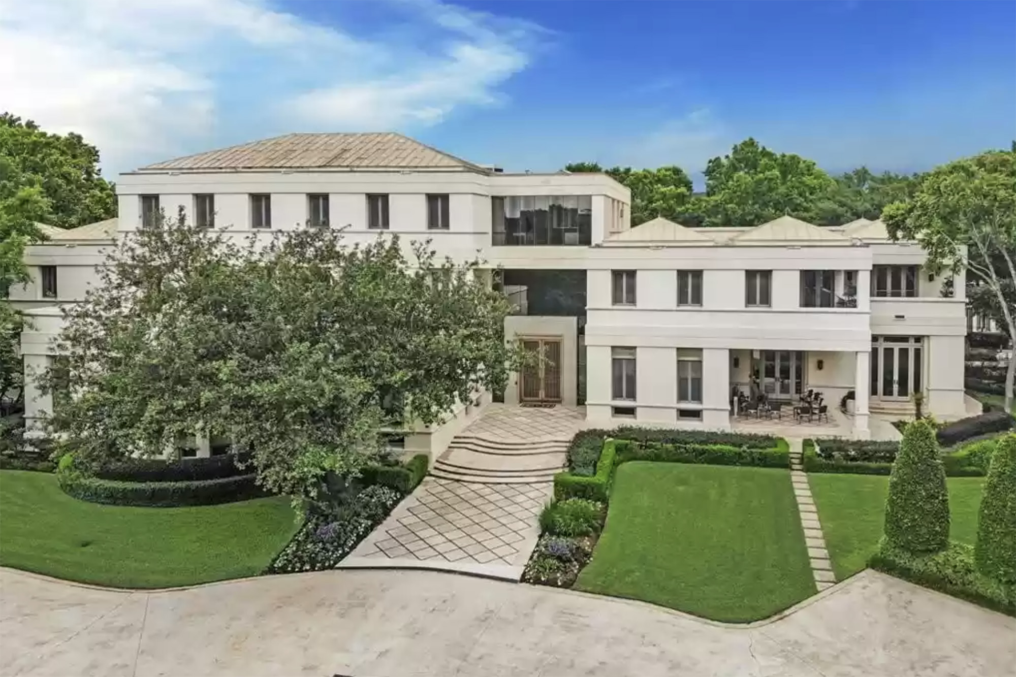 Saudi-Arabian-prince-mansion-01