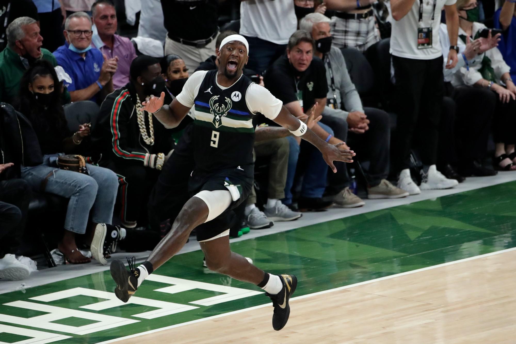 NBA_Finals_Suns_Bucks_Basketball (2)