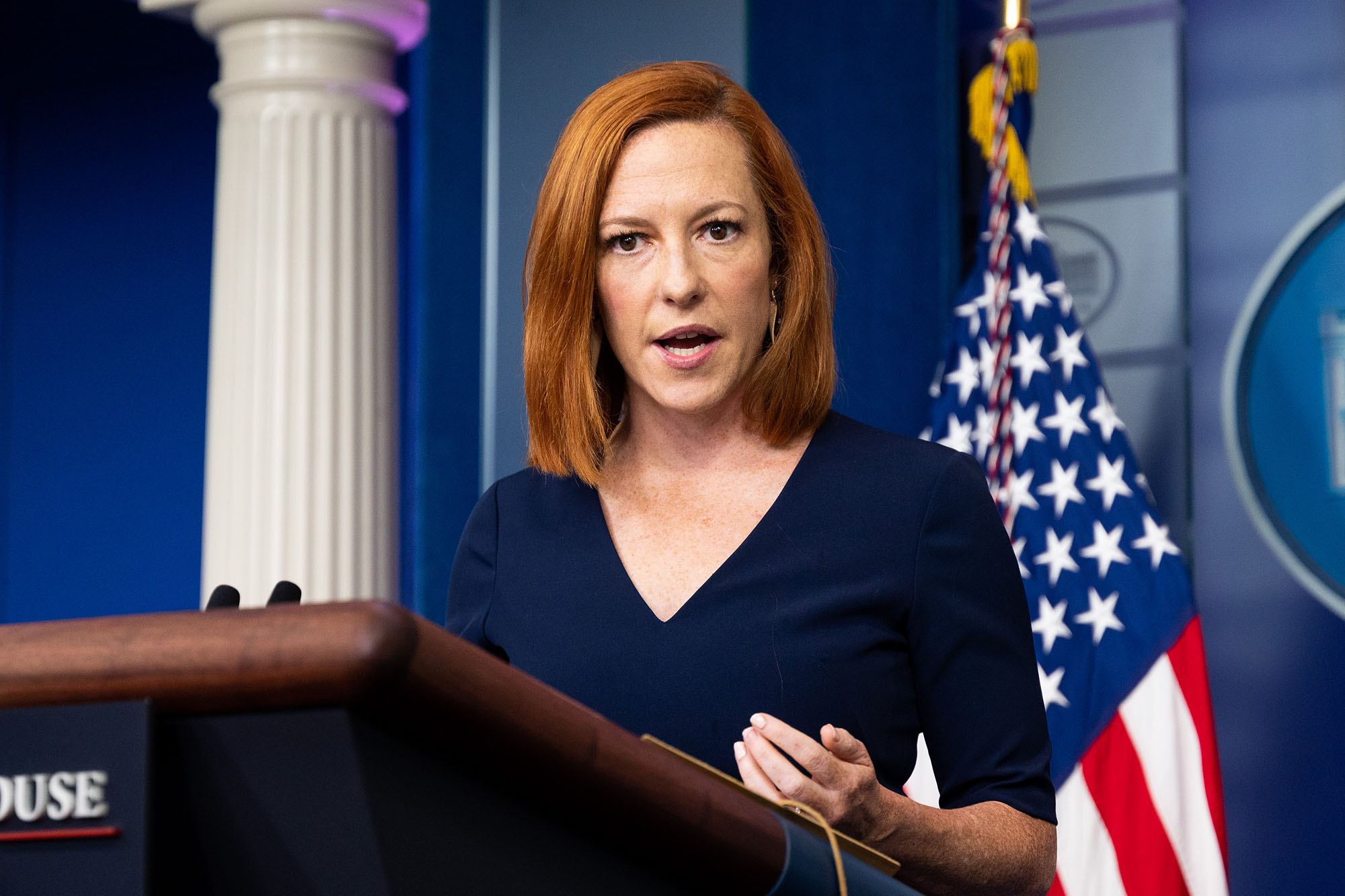 Psaki slammed by reporters over anonymous White House briefings