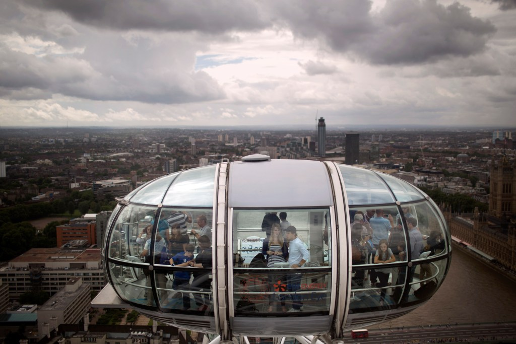 The London Eye is a far superior experience to the Times Square Wheel.