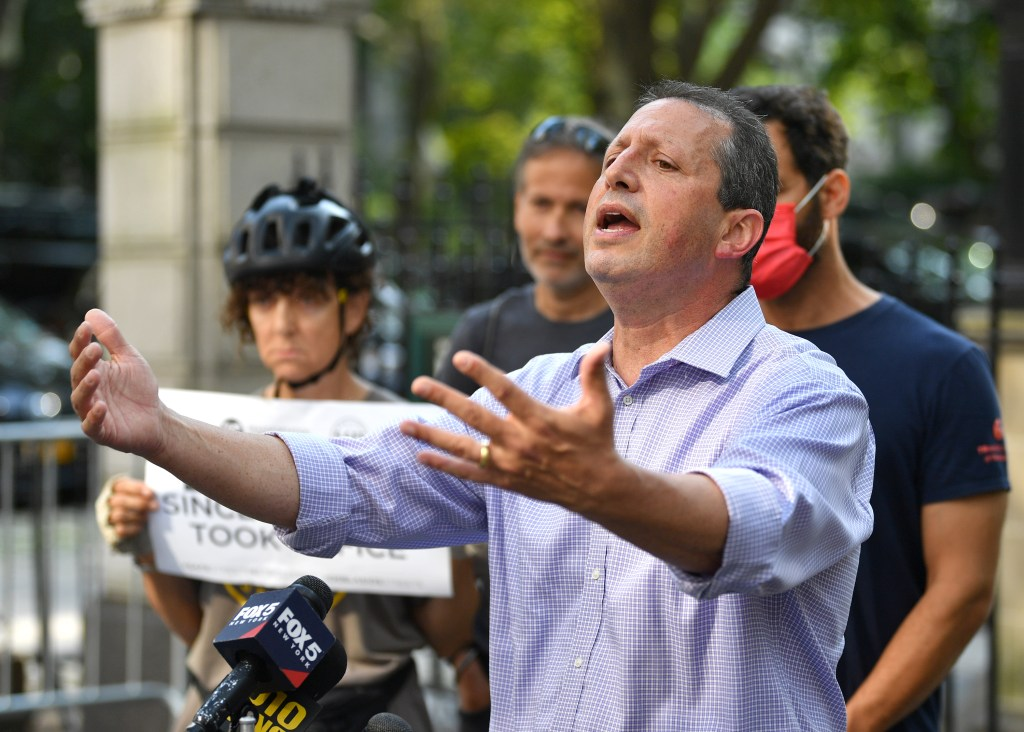 Brad Lander is backing a law that would impound cars of drivers who do not follow the measure.