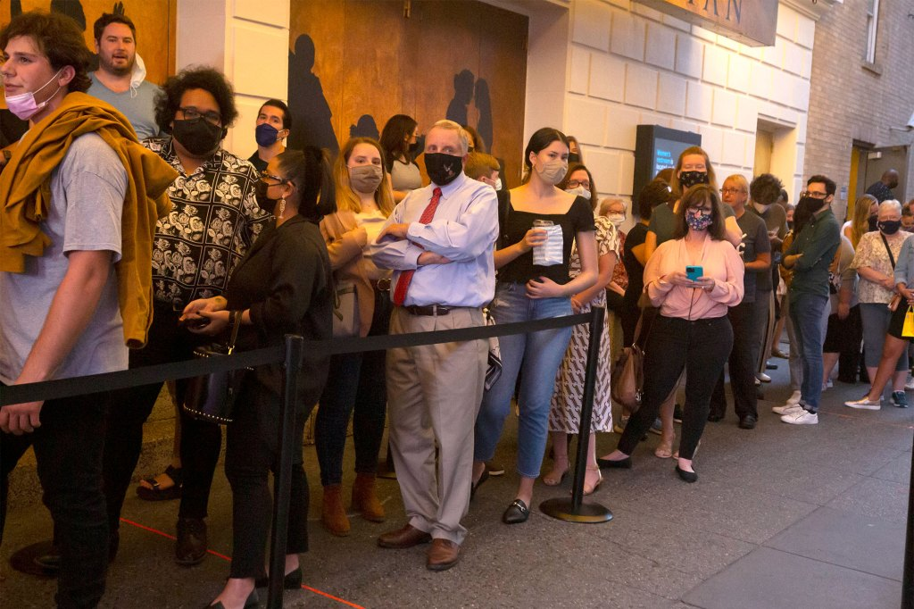 """Playgoers line up to see the first performance of """"Hamilton"""" in 18 months."""