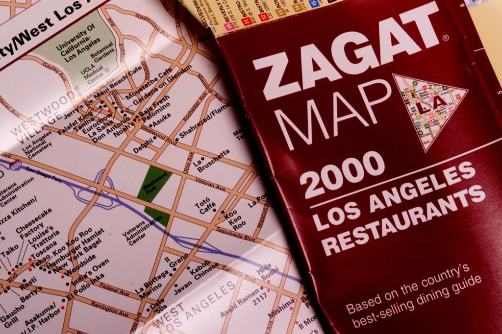 A 2000 Zagat guide with a map of Los Angeles restaurants