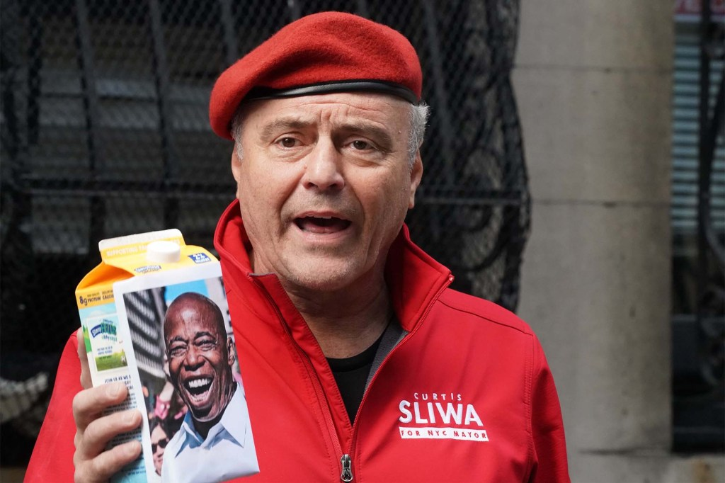 Curtis Sliwa press conference in front of his home in Manhattan befire going to NJ to look for Eric Adams.