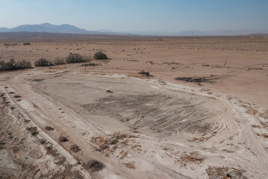 The abandoned park is located in the Mohave desert.