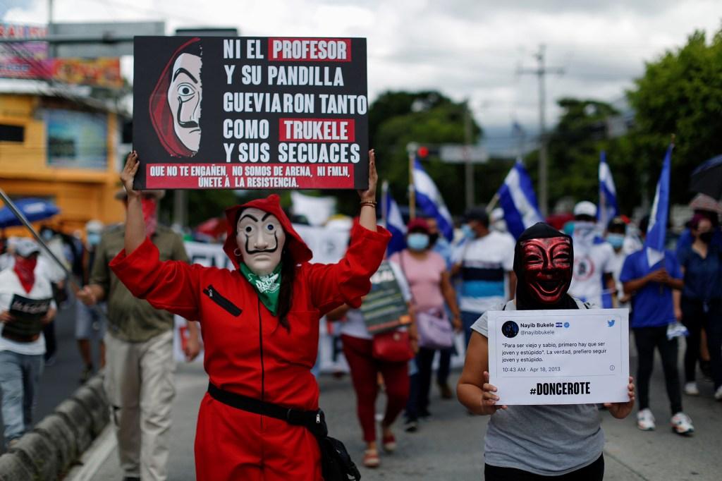 Anti-government protestors in El Salvador
