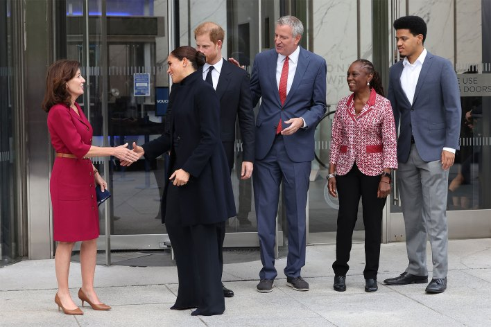 Kathy Hochul, Meghan, Duchess of Sussex, Prince Harry, Duke of Sussex, Bill de Blasio, Chirlane McCray, and Dante de Blasio visit One World Observatory on September 23, 2021 in New York City.