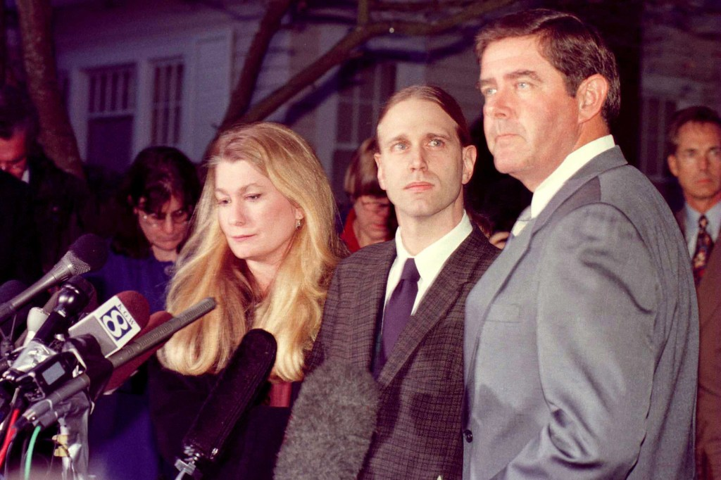 Kate Nason with then husband Andy Bleiler and attorney Terry Gilles at a 1998 press conference where Bleiler admitted to having an affair with Monica Lewinsky.
