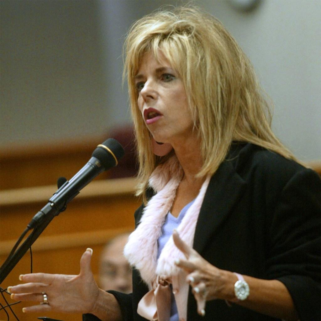Gwen Shamblin Lara speaking at a microphone