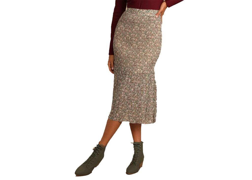 Lush Simple Moments Pleated Midi Skirt