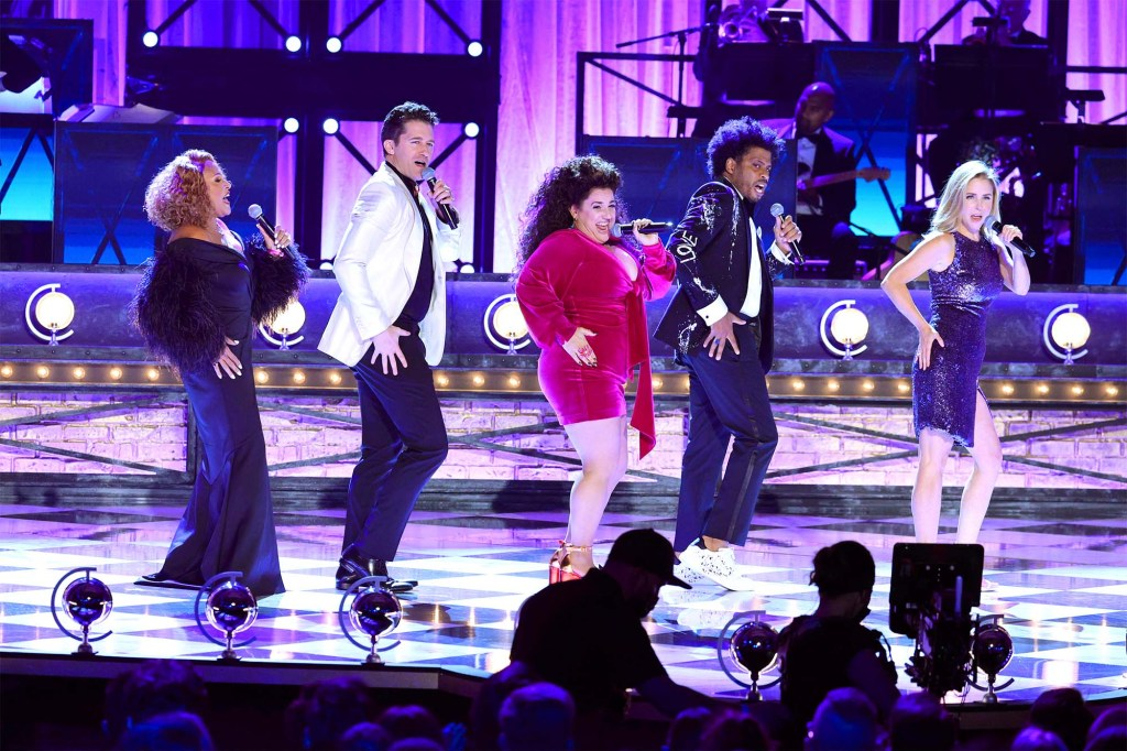 Darlene Love, Matthew Morrison, Marissa Jaret Winokur, Chester Gregory, and Kerry Butler perform onstage during the 74th Annual Tony Awards.