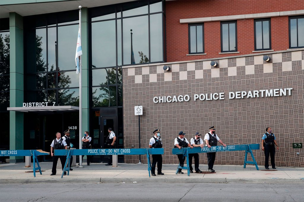 Chicago has around 13,000 cops, making it the second biggest police force in the US.