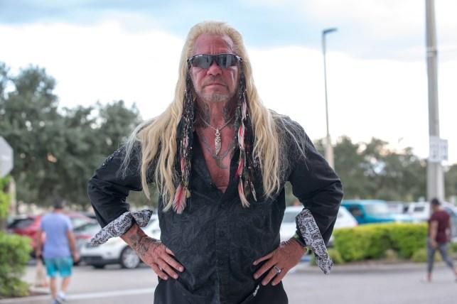 "دوئین۔ ""Cuff the Bounty Hunter."" Chapman was looking for laundry in Florida."