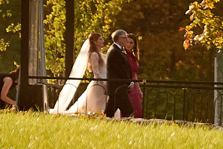 Watch Invoice and Melinda Gates stroll daughter down the aisle – Google Celebrities News