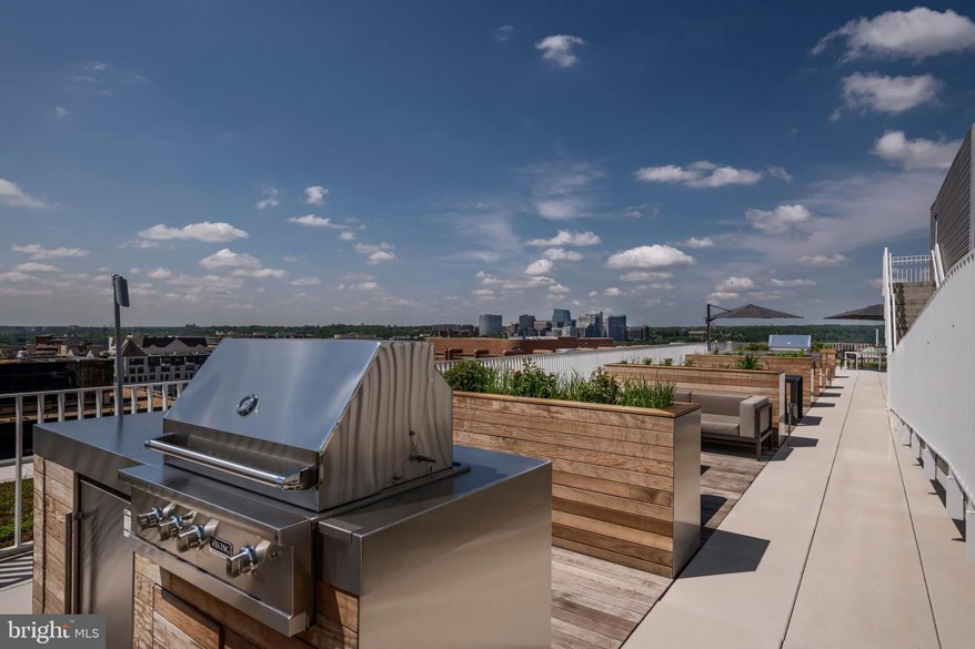 The barbeque space on the roof deck.