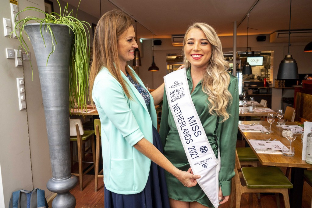Runner-up Lizzy Dobbe (rightI is declared as new Miss World Netherlands during a press conference in Amstelveen, The Netherlands on October 6, 2021.