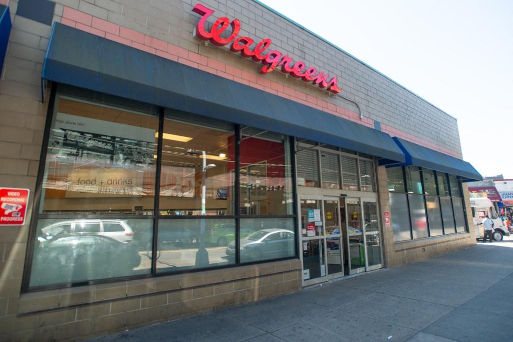 Roosevelt Ave, Queens Walgreens
