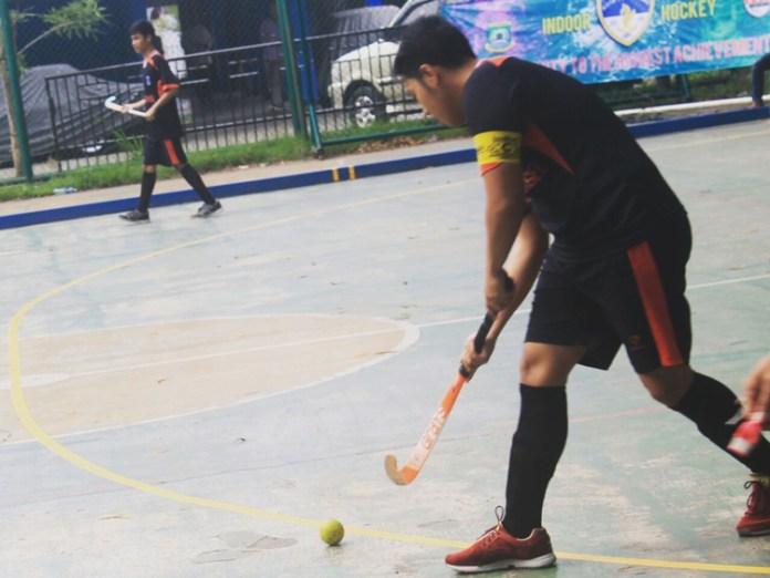 Jonathan, yang memutuskan untuk berlatih Hockey pada awalnya karena alatnya yang unik
