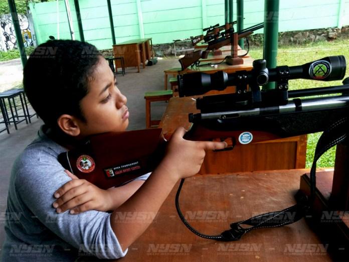 Salah satu calon peserta tournament menembak di Abadi Sports Center