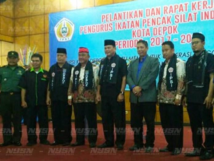 Beberapa-pejabat-dan-tokoh-masyarakat-yang-menghadiri-pelantikan-pengurus-IPSI-Depok