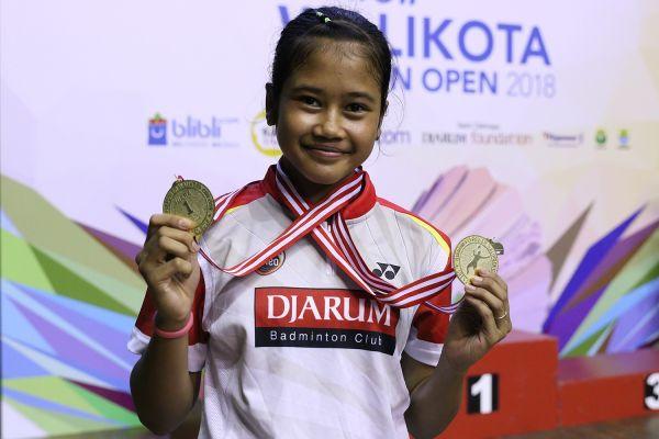 Febi Setianingrum meraih gelar juara ganda putri dan ganda campuran di Wali Kota Cirebon Open 2018. (pbdjarum)