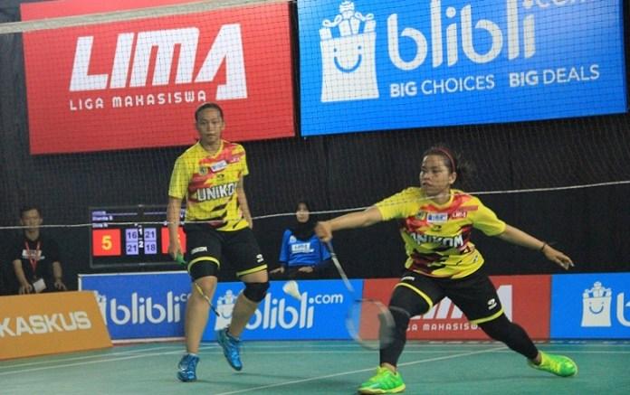 Ganda Unikom, Dianita Saraswati/Dina Rahayu, sukses menjadi penentu meraih tiket fase LIMA Badminton Nationals 2018. (LIMA)