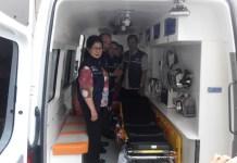Menkes Nina Moeloek saat meninjau fasilitas ambulans guna mendukung Asian Games 2018. (Kemenkes)