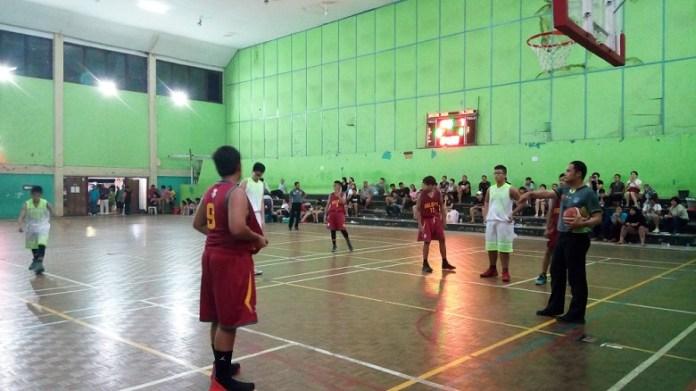 Tim Basket Putra U-14 Gading Muda menjuarai Kejuaraan Basket Pengkot Perbasi Jakarta Barat, usai mengalahkan Indonesia Falcons 50-35. (Adt/NYSN)