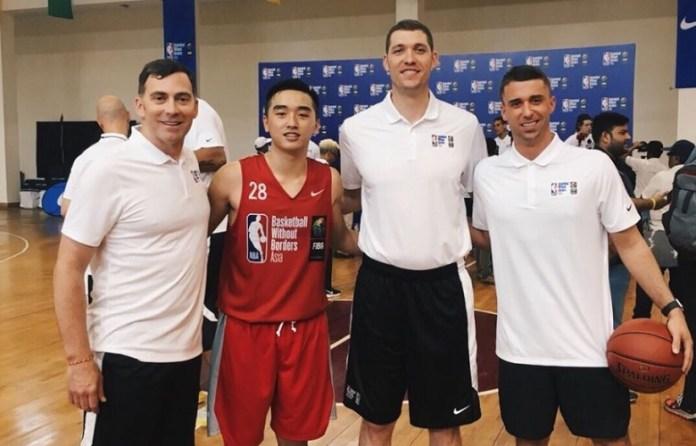 Pebasket remaja asal Klub Basket Gading Muda, Darryl Sebastian Winata (merah), Wakili Indonesia di BWB Camp Asia 2018, di New Delhi, India. (istimewa)
