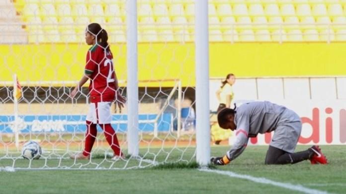 Timnas putri Indonesia terjerembab di dasar Klasemen Grup B AFF Women's Championship 2018, usai menderita kekalahan telak 0-6 dari timnas Vietnam. (tribunnews.com)