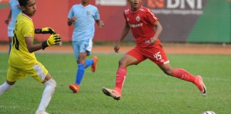 Striker Persija Jakarta U16, Ahmad Paisal (45), nyaris mencetak gol kemenangan bagi timnya. Persija akhirnya mengalahkan Persela Lamongan U16 dengan skor 2-1, di laga perdana Kompetisi Elite Pro Academy U-16 2018, di Stadion PTIK, Jakarta, Sabtu (15/9). (Pras/NYSN)