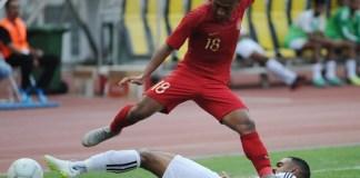 Aksi winger Timnas Senior asal klub Persebaya Surabaya, Irfan Jaya (18), saat menaklukkan Timnas Mauritius 1-0, dalam laga pertandingan uji coba internasional, di Stadion Wibawa Mukti, Cikarang, Bekasi, Selasa (11/9). (Pras/NYSN)
